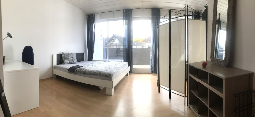 Spacious relaxing in your Düsseldorf apartment