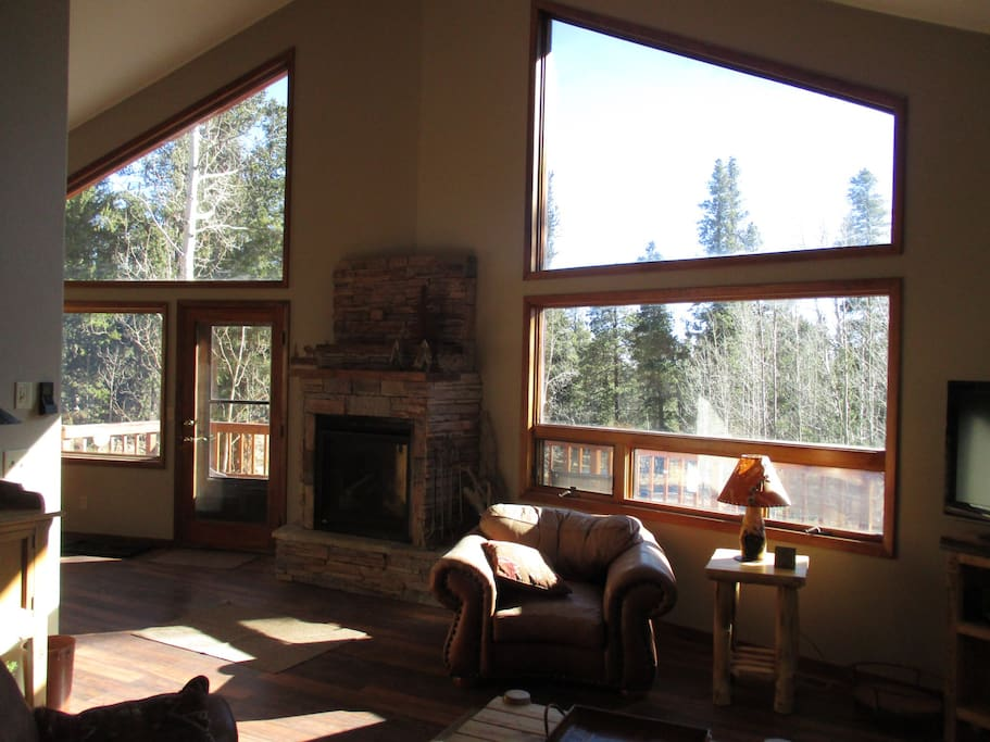 Large south facing windows bring in the beautiful sunshine and warmth