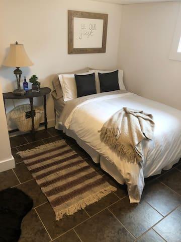Comfy Basement Apartment Near DT Moncton