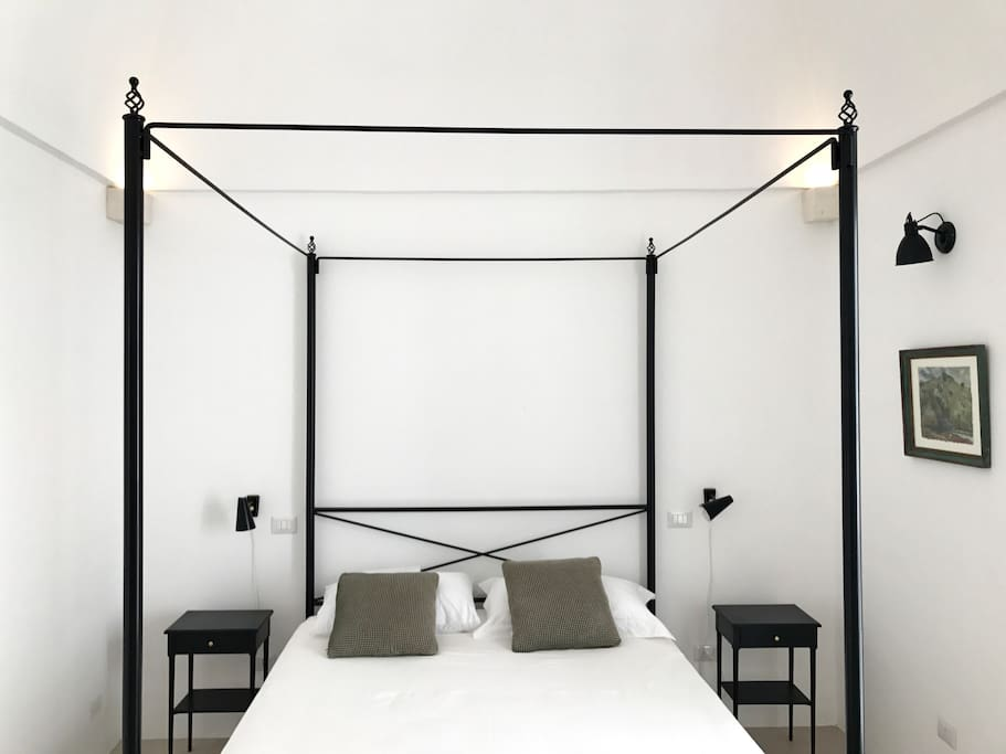 High quality  mattress on four poster