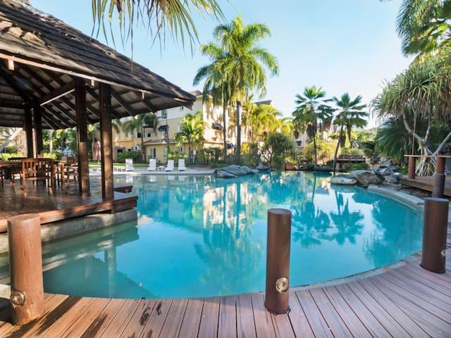 Spectacular Resort Living - 3km to City