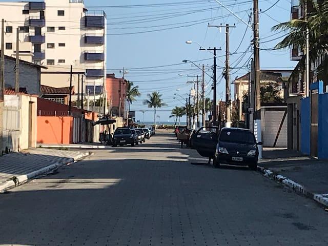 Alugo Casa na Praia Grande 100mts do mar!
