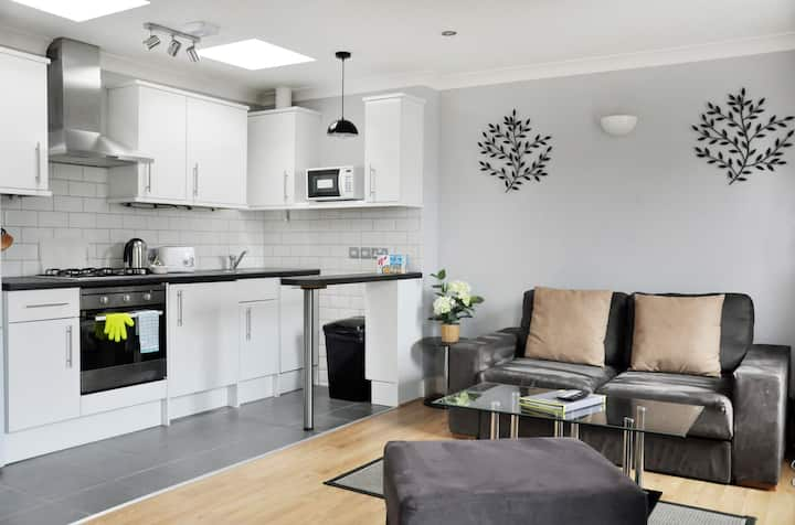 One Bedroom Apartment in Hammersmith