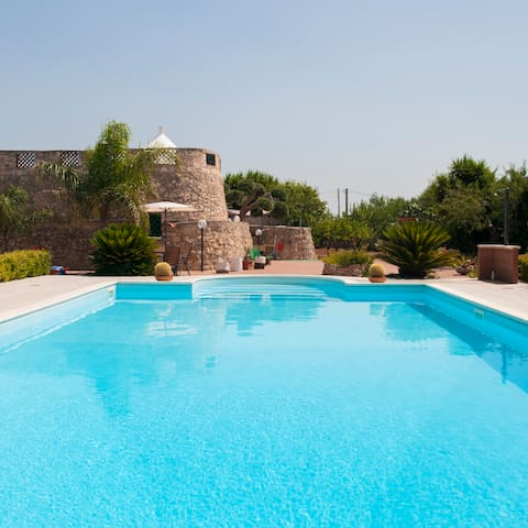 Trullo with Swimming Pool in hilly location