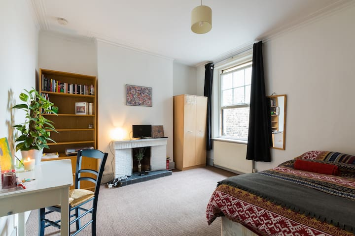 Double Bedroom , Queen's Park , 2min frm tube zn2