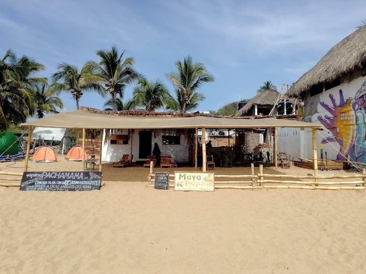 Camping frente al mar en playa zipolite