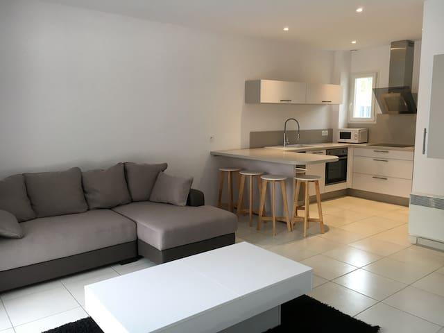 Appartement T2 neuf de standing - Le Soler - Huoneisto