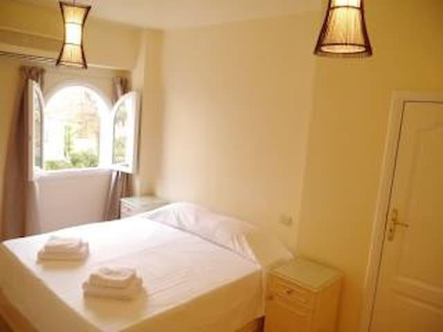 _Main bedroom