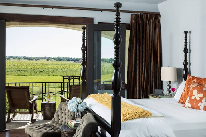 Experience The Vineyard at Florence