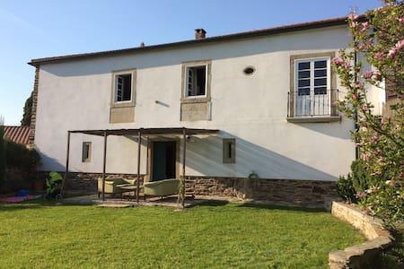 Casa de piedra en aldea gallega - Prado - Haus