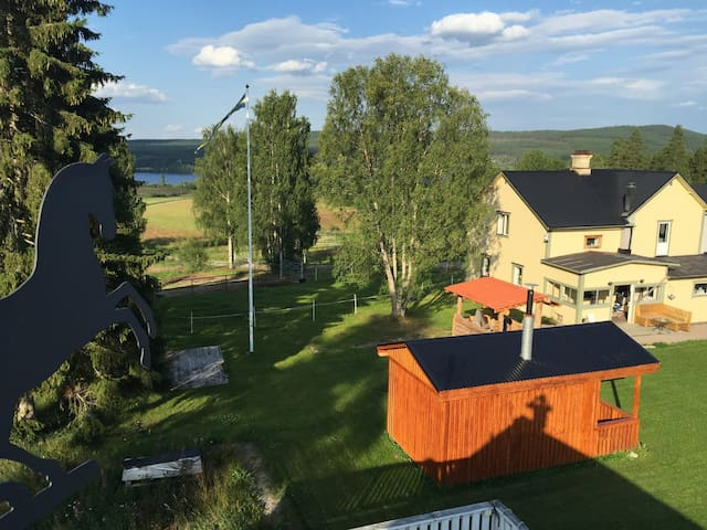 Husnäs Country View  Rustic Loft on a horse-farm