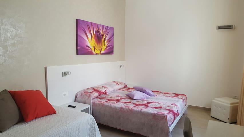 INCANTEVOLE camera nel cuore del paese. - Porto Cesareo - Bed & Breakfast