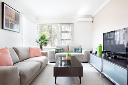 Stunning Selfcontained flat in convenient location