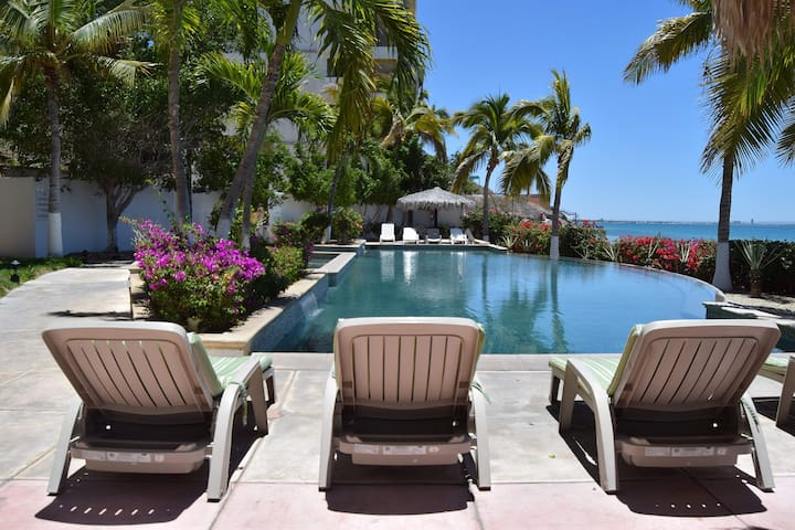 ★Prime beachfront ★pool ★Best & Most Reviewed★