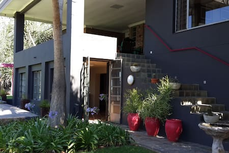 Dougall Garden Apartment - Pretoria