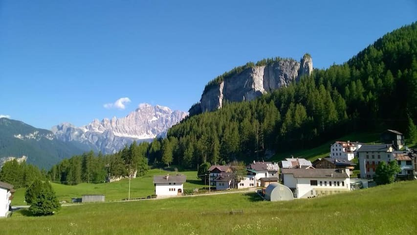 "Touch the Dolomites ""Pelmo""  Confortable Room"