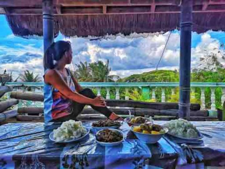 Nanay Cita's Homestay: Room w/ AC & Kitchenette