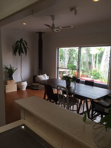 Garden Oasis close to both River & Beach - Caringbah South - บ้าน