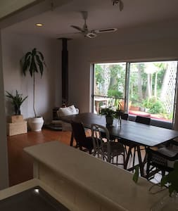Garden Oasis close to both River & Beach - Rumah