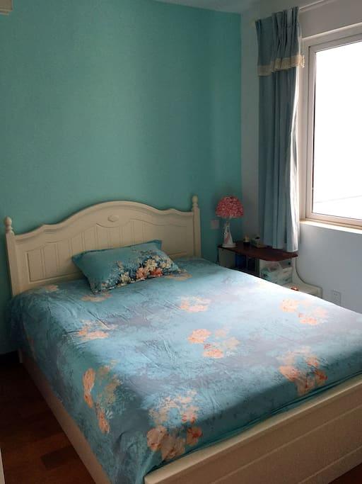 卧室1:光线充足