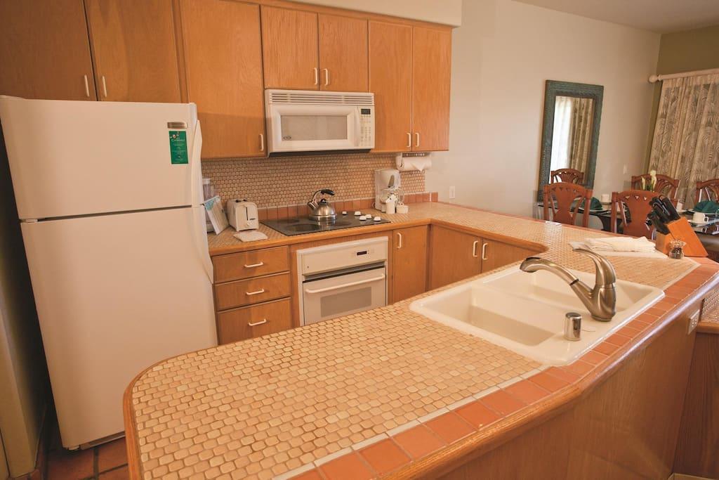 Kona Coast Resort kitchen