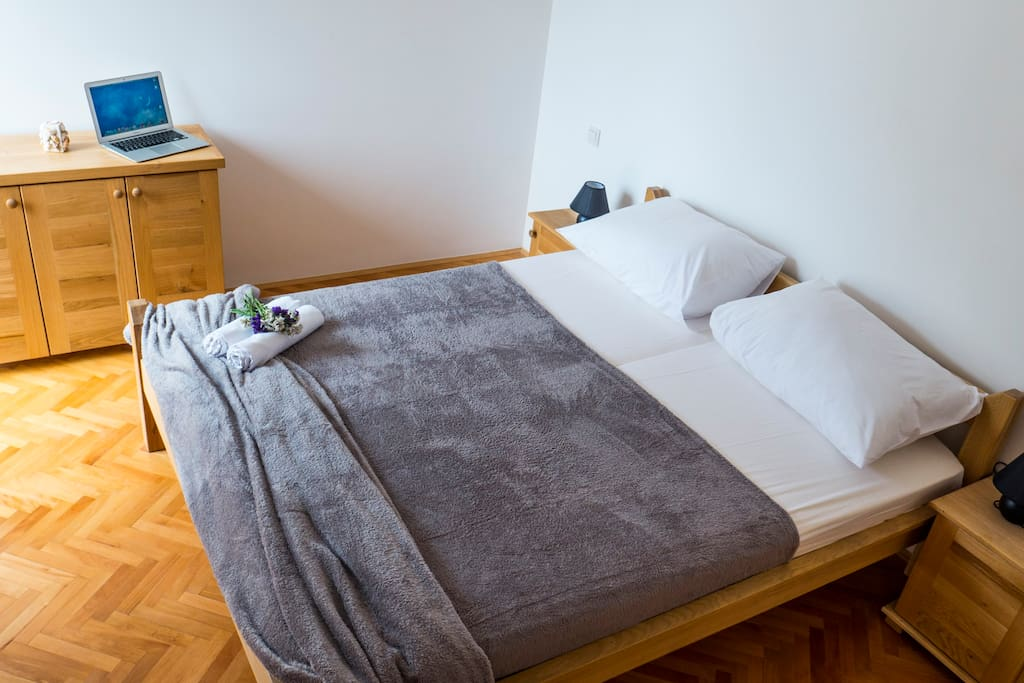 handmade king size bed