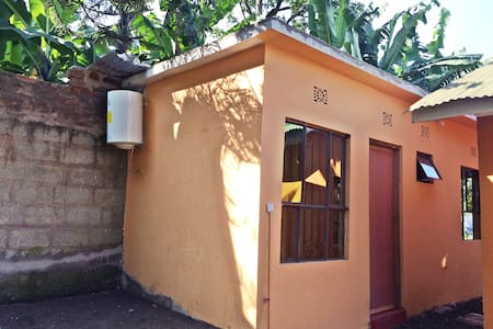 Private Room #1: Lovely Tanzanian Family Homestay - Arusha - Hus