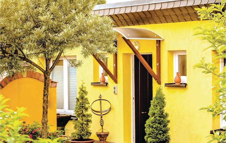 Holiday cottage with 1 bedroom on 40 m² in Rostock