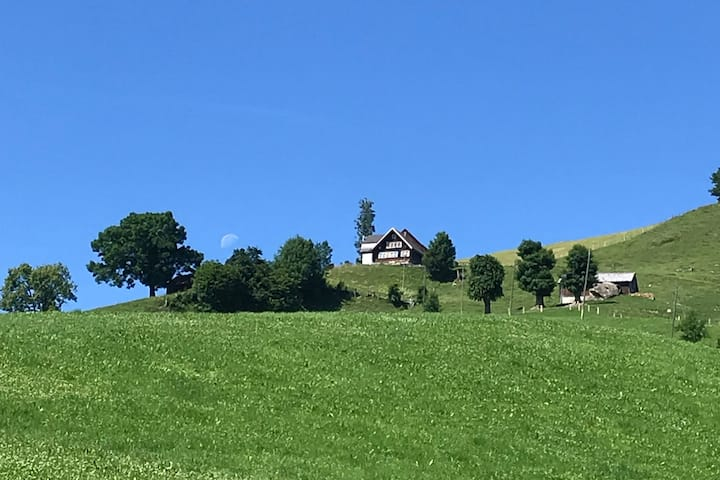 Idyllisches Appenzeller Ferienhaus mit Garten
