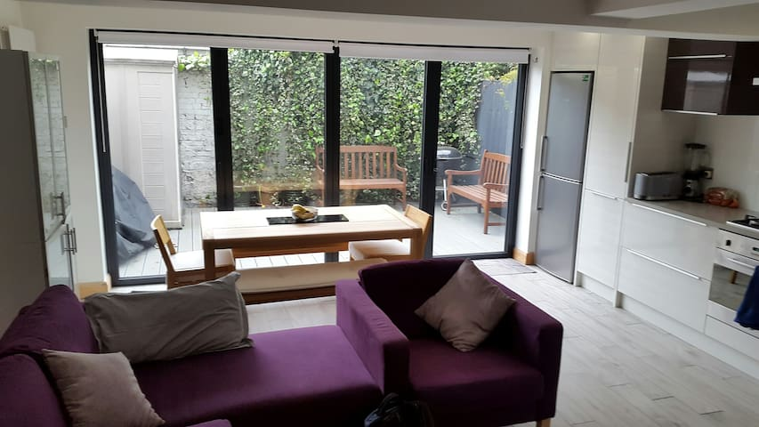 2 bedroom large modern newly renovated apartment - Londres - Apartamento