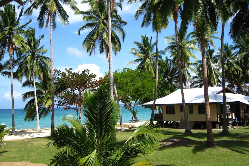 Gilligans is a simple beachfront house on a beautiful 180 metres of white sandy beach with