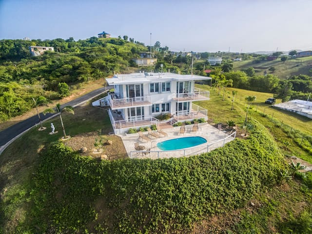 2BR Penthouse/Walk2Beach/Panoramic Ocean View/Pool - Vieques - Appartamento
