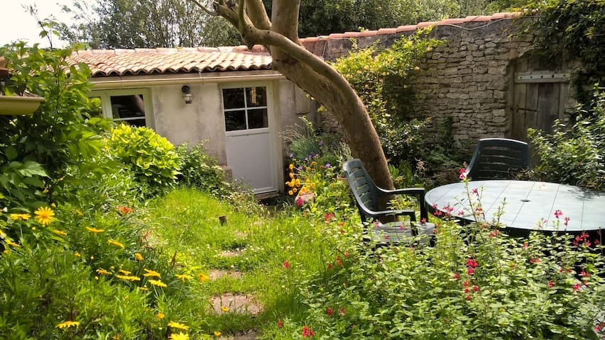 Un studio indépendant calme, rustique et cosy... - Le Bois-Plage-en-Ré