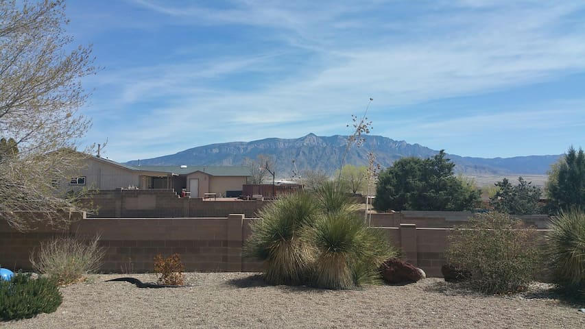 Couch in shared room w/ great views - Rio Rancho - Casa