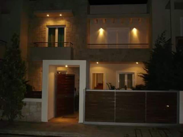 Eni's home-Porto Rafti
