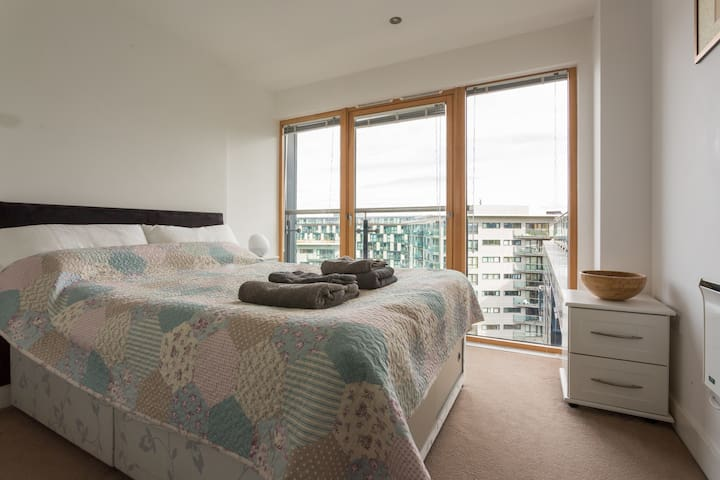 Top floor apartment, balcony and a fantastic view!