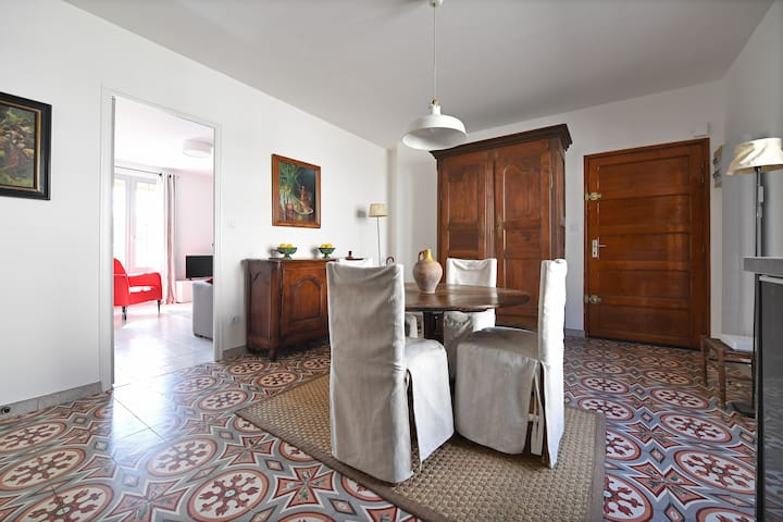 Quiet, sunny and central - Uzès - Appartement