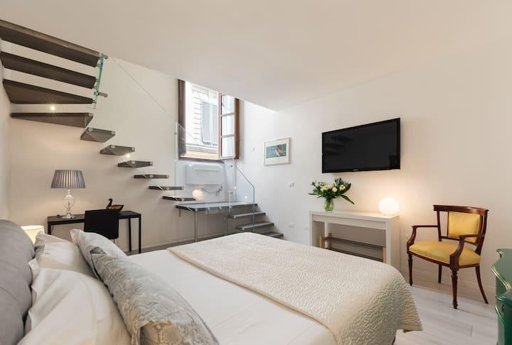 Duomo Modern and Stylish Apartment