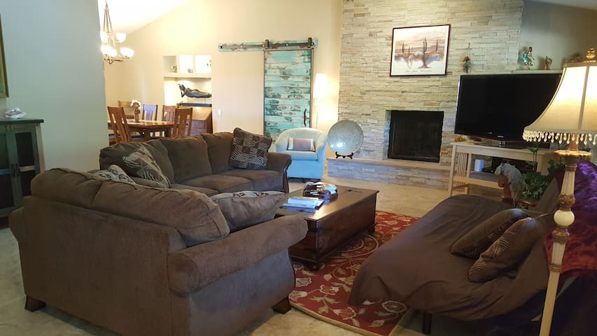 Large Great Room - Family Friendly - West Sedona