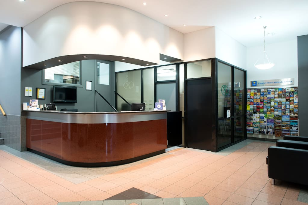 Reception desk open 24 hours