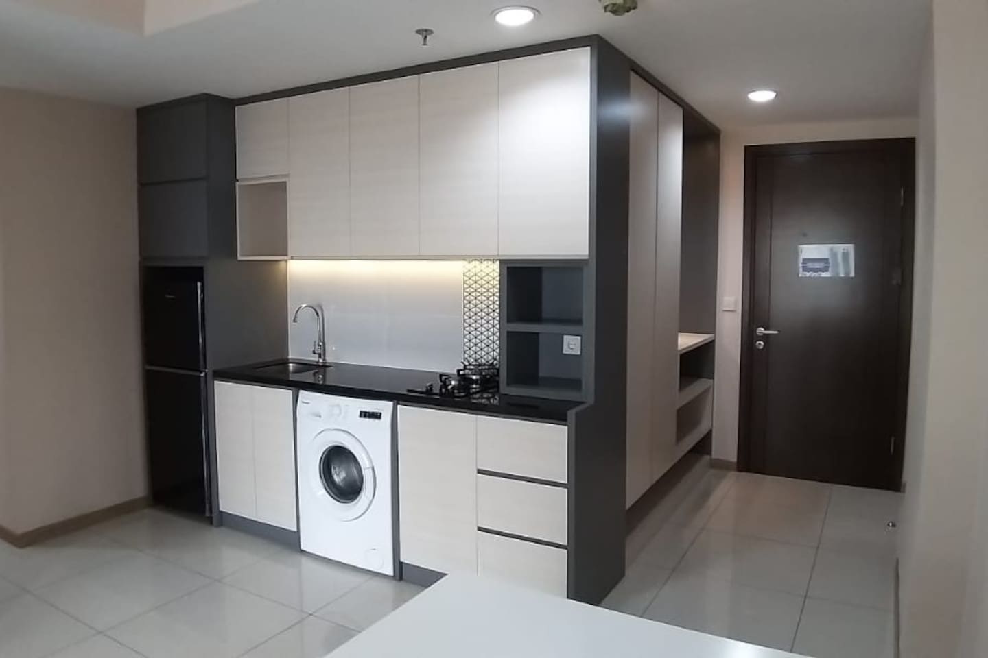 Entire Apartment with Full Kitchen