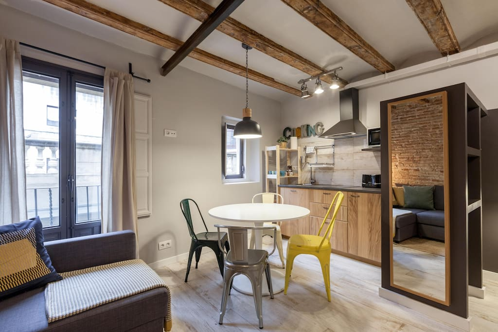 City center trendy loft loft in affitto a barcellona for Monolocale affitto barcellona spagna