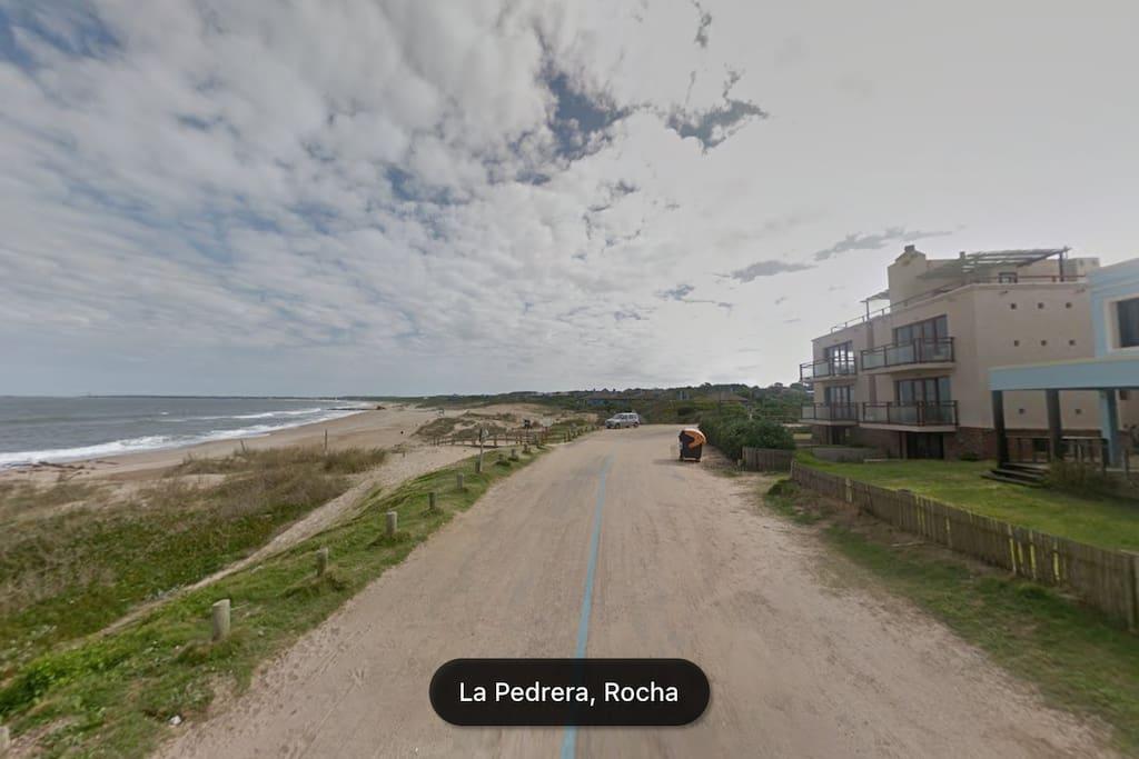 Distancia entre el departamento y la playa.