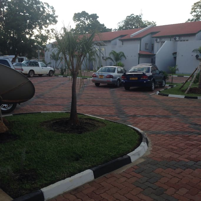 Borrowdale 2 bed villa in a complex villas for rent in for Beds zimbabwe