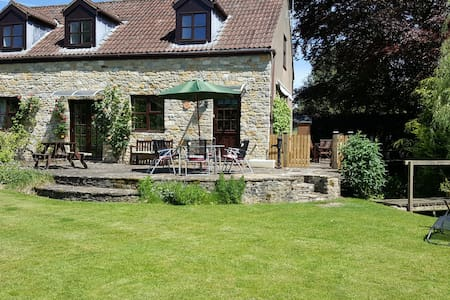 Kingfisher Cottage, nr Sherborne, Bruton, garden