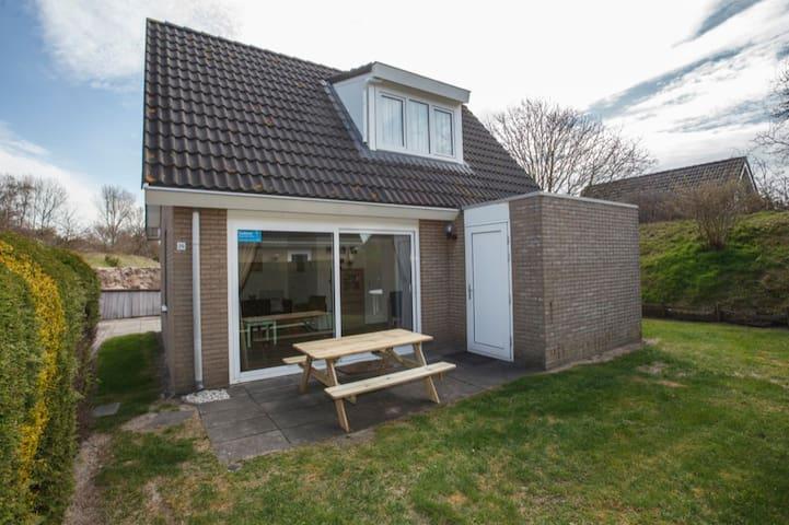 5 persoons bungalow vlak bij zee 18 - Ouddorp - Casa