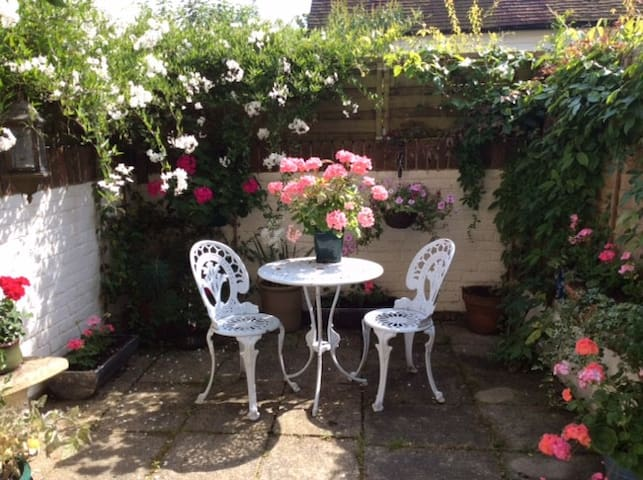 Peaceful Country Townhouse - Petworth - Stadswoning
