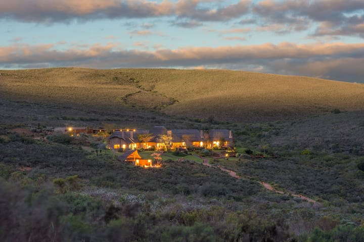 Melozhori Private Game Reserve Lodge