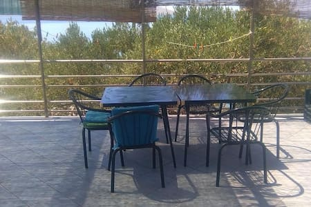 Robinzon House Elza - Two Bedroom House with Sea View