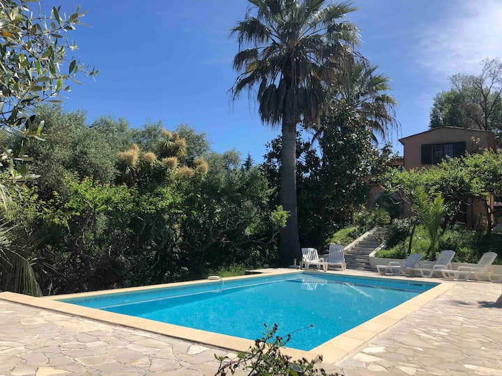 Tranquil villa, Private Pool+garden, St Paul view